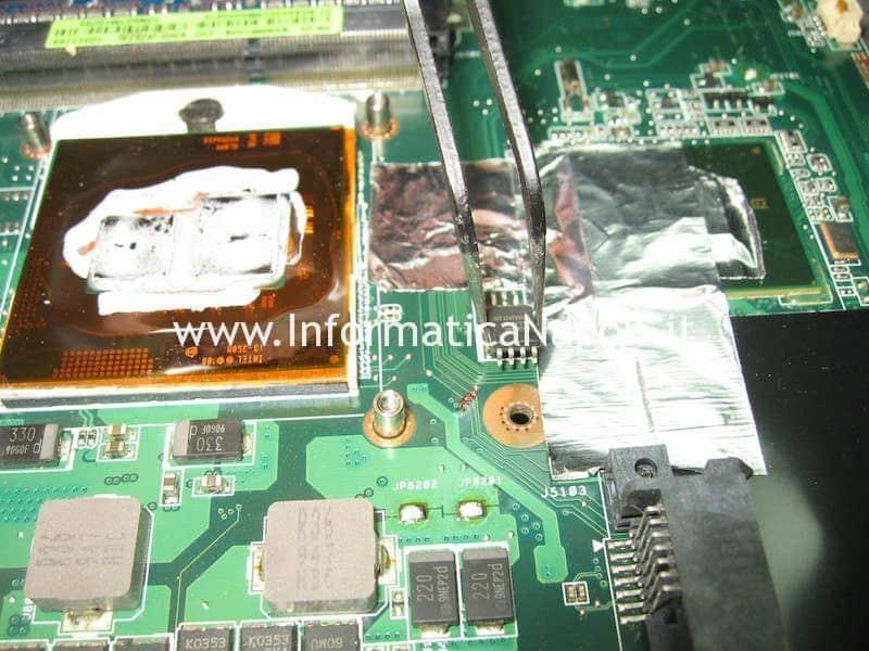 programmare ripristinare bios Asus K52F X52F-SX053V chip SPI Winbond SST MX EEPROM