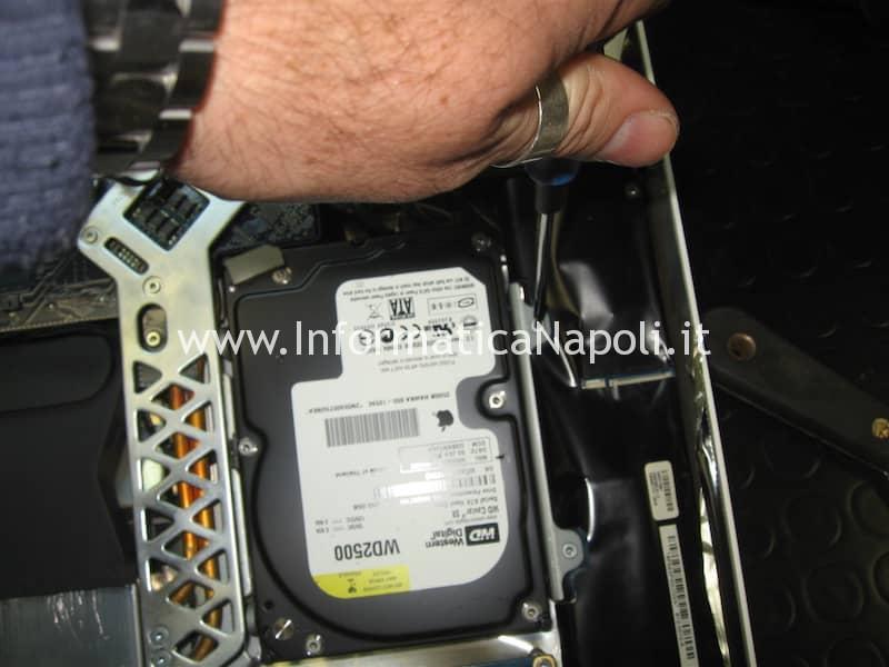 Rimozione hard disk iMac 20 EMC 2105 vintage