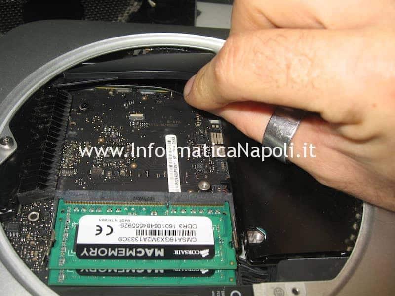 rimozione scheda logica Apple Mac Mini A1347