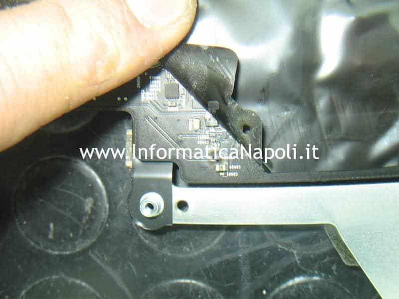 riparazione iMac 21 con schermo nero