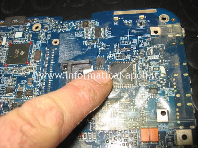 SST25LF080 EEPROM schema toshiba PSAR6E toshiba A200-24E ISKAA LA-