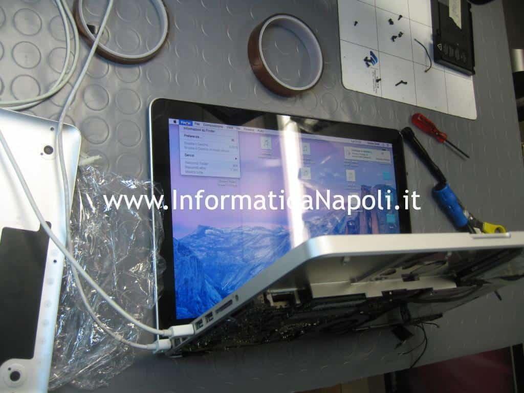 Problema display bianco macbook bianco risolto riparato
