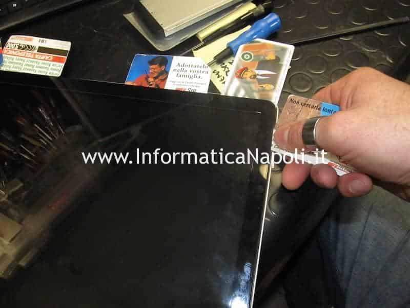 riparazione display aperto piegato macbook pro