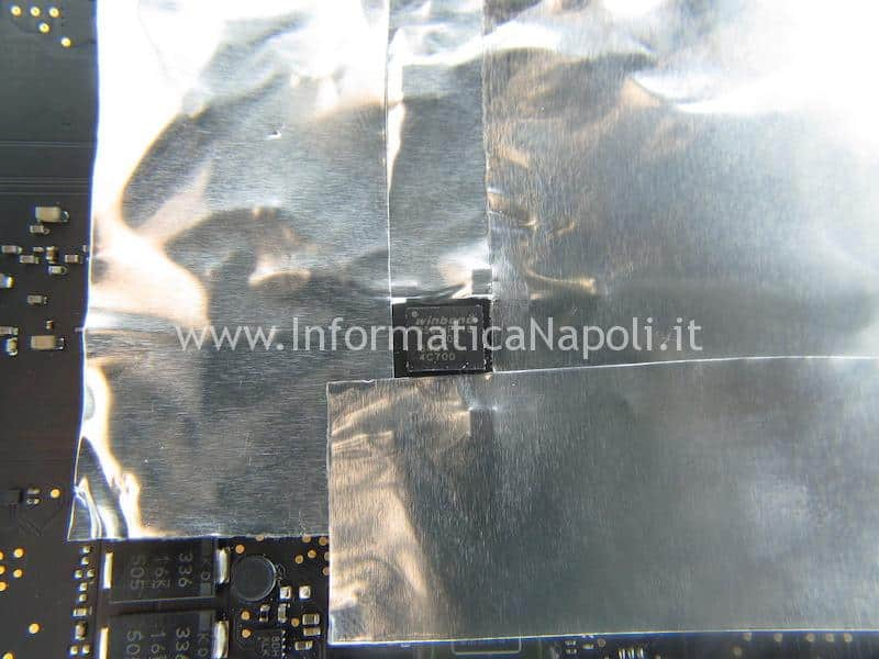 rimozione reflash A1502 EMC 2835 820-4924-A Winbond 25q64FVIQ