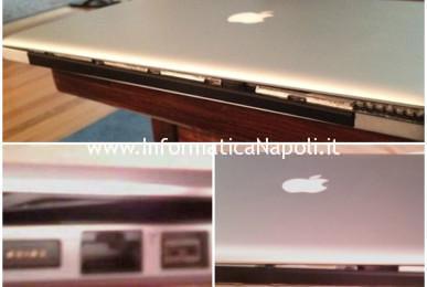 scocca struttura display aperta o rovinata macbook