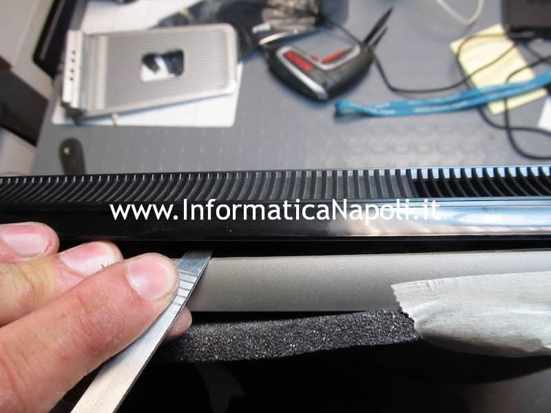apertura scocca ASUS EeeTop PC ET2203T