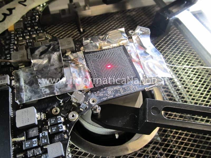 Problemi scheda video Macbook pro come rimuovere chip grafico da un MacBook pro 15