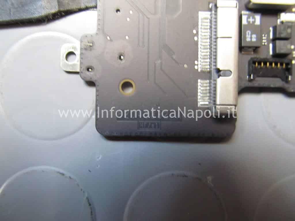 problema chip grafico scheda logica 820-3332-A MacBook Pro 15 retina A1398 EMC 2512 2012 nVidia N13P-GT-W-A2 GeForce GT 650M