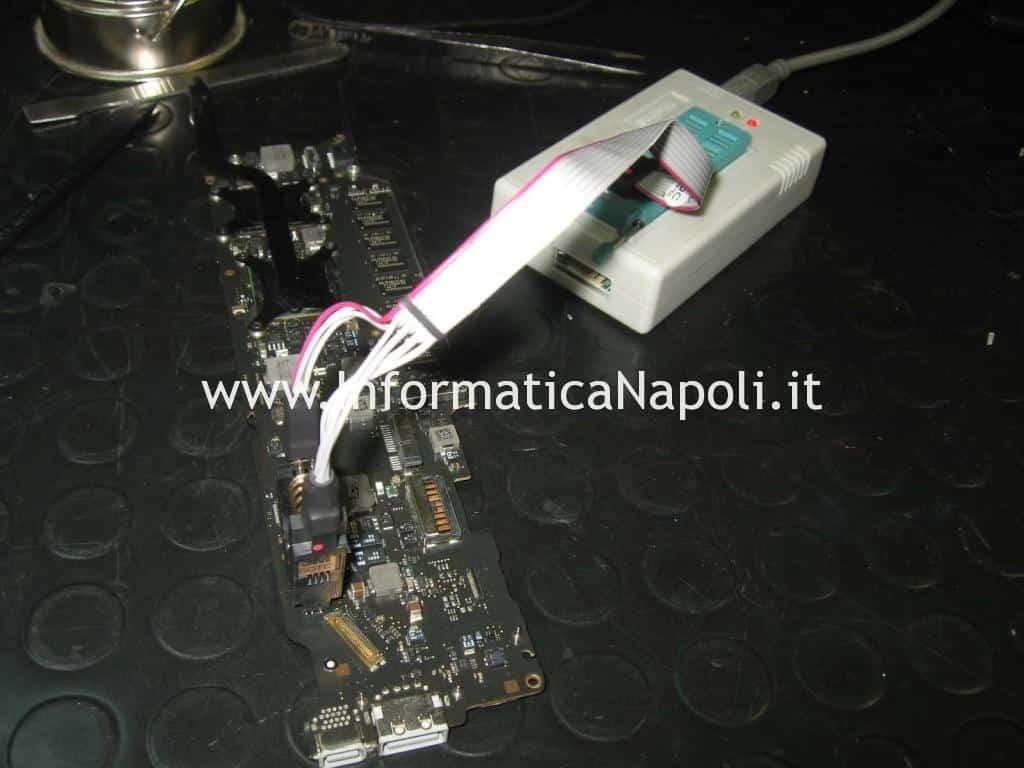 programmazione clip MacBook Air 11 A1370 | A1465 blocco EFI MB 820-2796-A SST 25VF032B