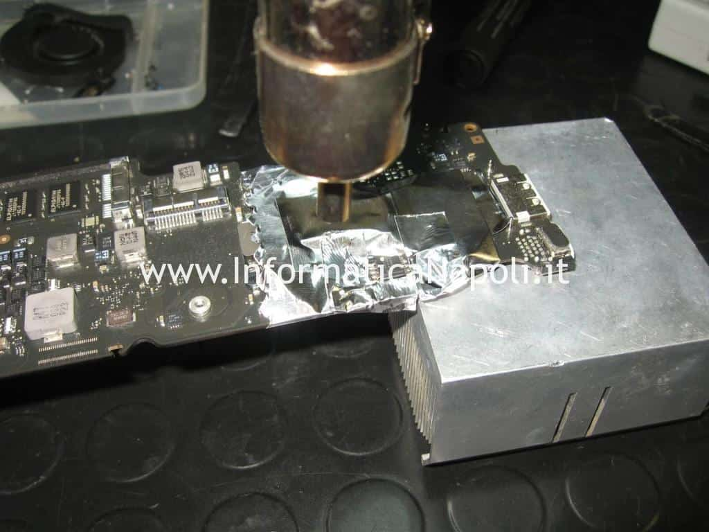 problema blocco flash bios EFI MacBook Air 11 A1370   A1465 820-2796-A SST 25VF032B
