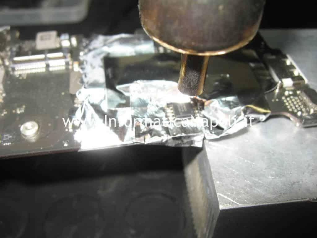 assistenza ripristino riparazione flash bios EFI MacBook Air 11 A1370   A1465 820-2796-A SST 25VF032B