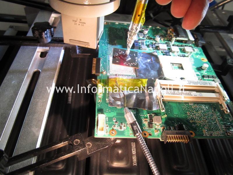 lift rework reballing sostituzione chip video Asus K52JT AMD Radeon HD 6370M 216-0774211