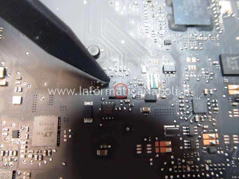 sostituzione driver led LP8548B1SQ_-04 led driver macbook pro 13 retina problema illuminazione
