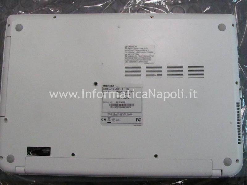 smontare riparare Toshiba Satellite L50D L50D-B-13C PSKUQE EEPROM CFEON QH64-104HIP DABLMGMB8E0 REV E