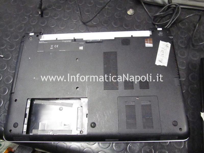 aprire riparare Sony Vaio SVF152