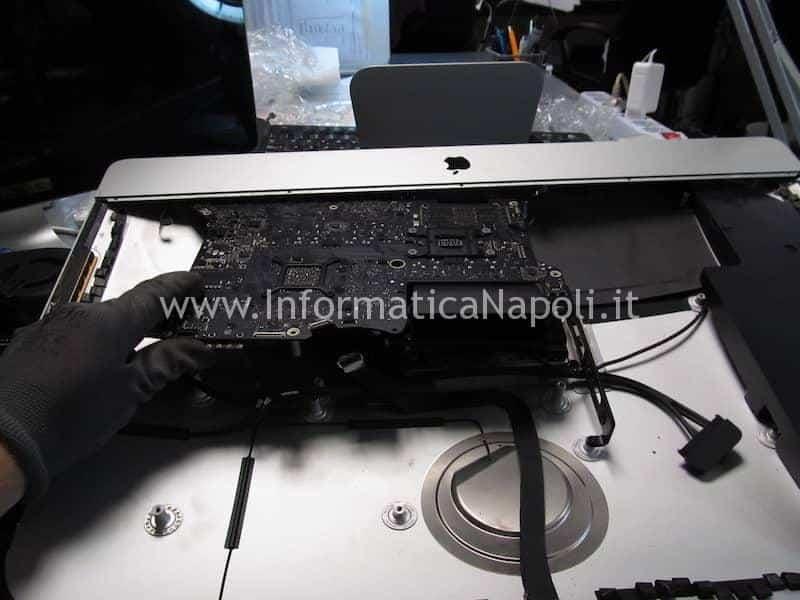 Rimozione riparazione scheda madreiMac A1419 27 pollici late 2012 820-3299-A
