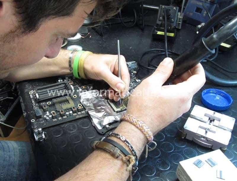rimozione colla epossidica lift reballing nVidia N13E-GTX-W-A2 680MX iMac A1419 27 pollici late 2012