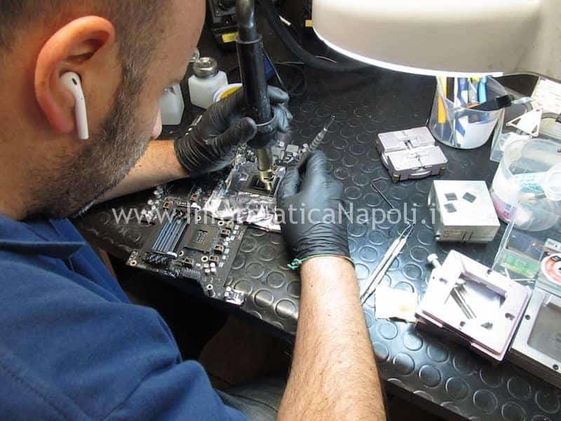 RImozione cornice metallo nVidia N13E-GTX-W-A2 680MX iMac A1419 27 pollici late 2012