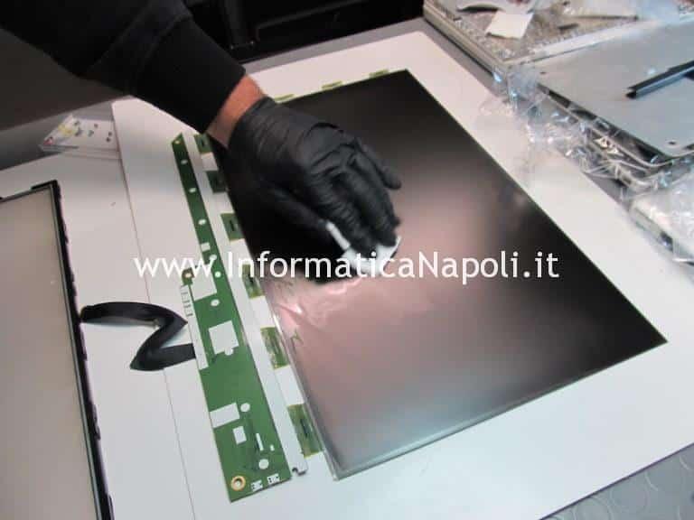 Pulizia e rimozione macchie display iMac