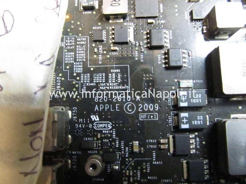 macbook pro 17 2009 A1297 820-2610-A completamente morto