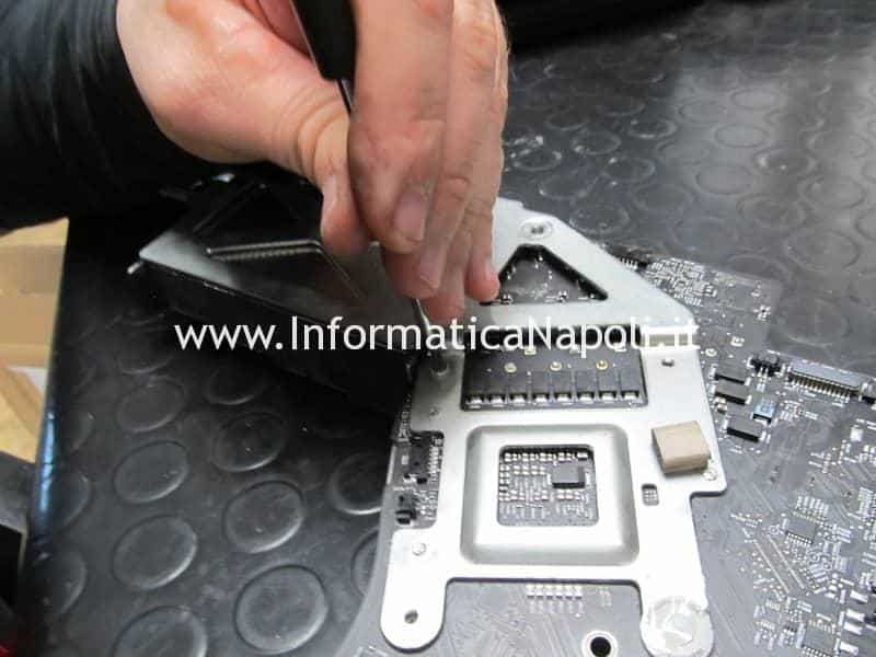 pulizia interna e scheda logica effetti fumo sigaretta elettronica imac macbook mac pro apple