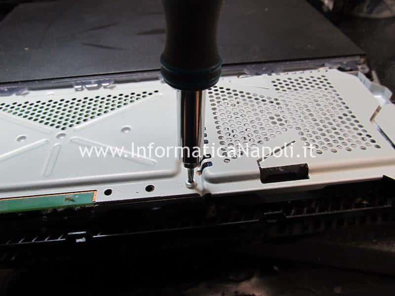 rimozione HDD Playstation 4 PS4 FAT | SLIM | PRO White Light Of Death