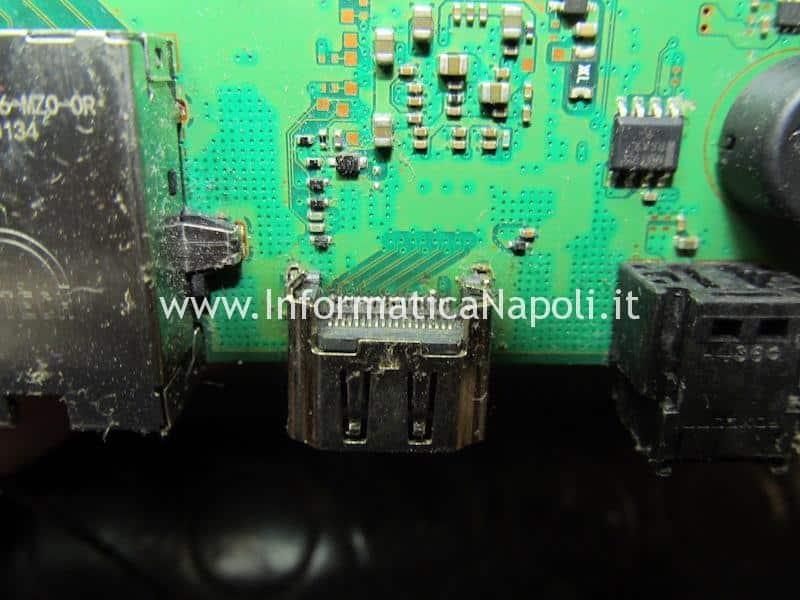 problemi PS4 PlayStation 4 connettore video HDMI da sostituire