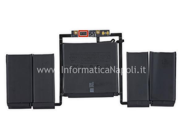 sostituzione batteria macbook 13 a1706