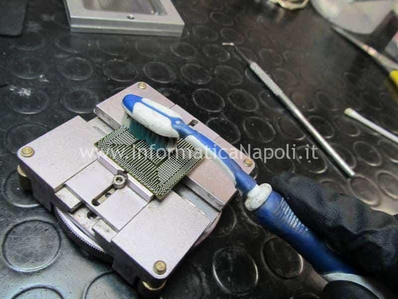 Pulizia Chipset BGA pronto alla risaldatura A1278 Intel
