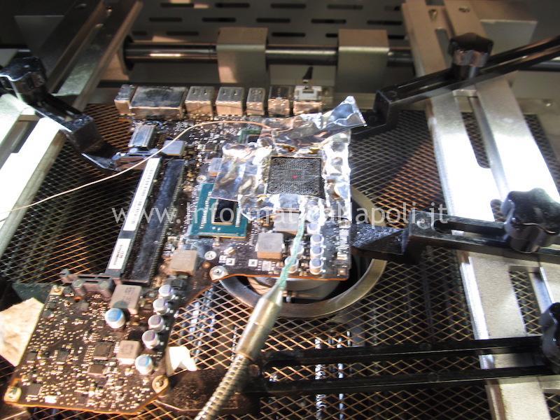 problemi reballing riparazione macbok pro 13 a1278 righe blocchi chipset intel Mobile Intel HM77 Express
