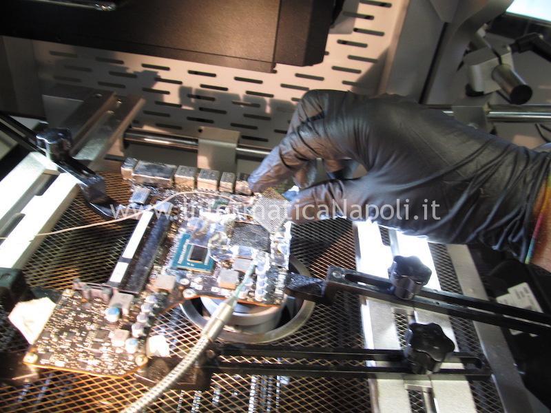 riparazione problemi macbok pro 13 a1278 righe blocchi chipset intel Mobile Intel HM77 Express