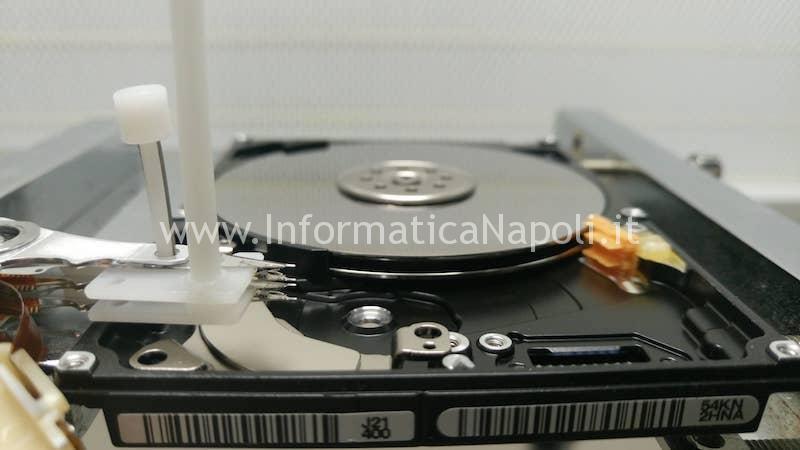 recupero dati hard disk sostituzione testine camera bianca