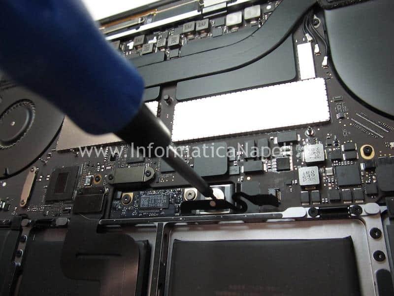 riparazione tastiera macbook pro touch bar A1707 A1708 A1706