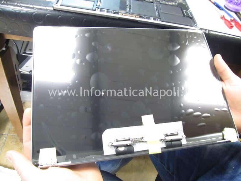 problema flat display macbook pro touchbar a1706 a1707