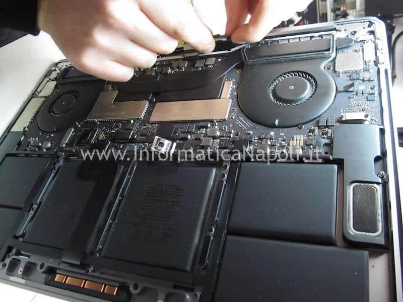 sostituzione flat display nuovo macbook pro touch bar A1707 A1708 A1706