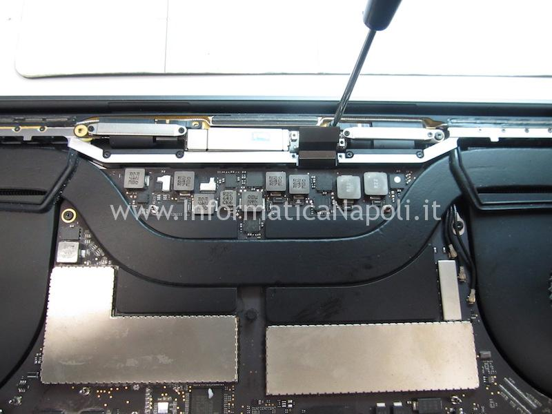 assistenza display macbook pro touch bar A1707 A1708 A1706