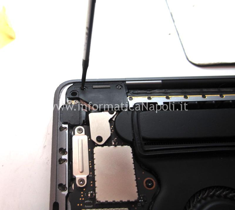 come riparare display macbook pro touch bar A1707 A1708 A1706
