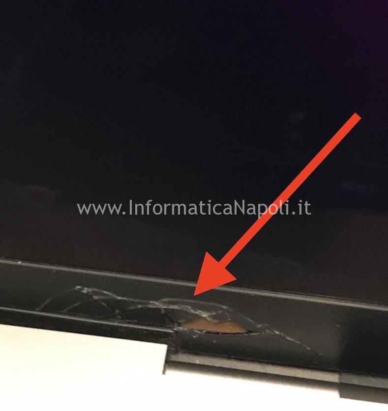 Rottura bordo display vetro apple macbook pro 15 touch bar A1707 A1708 A1706