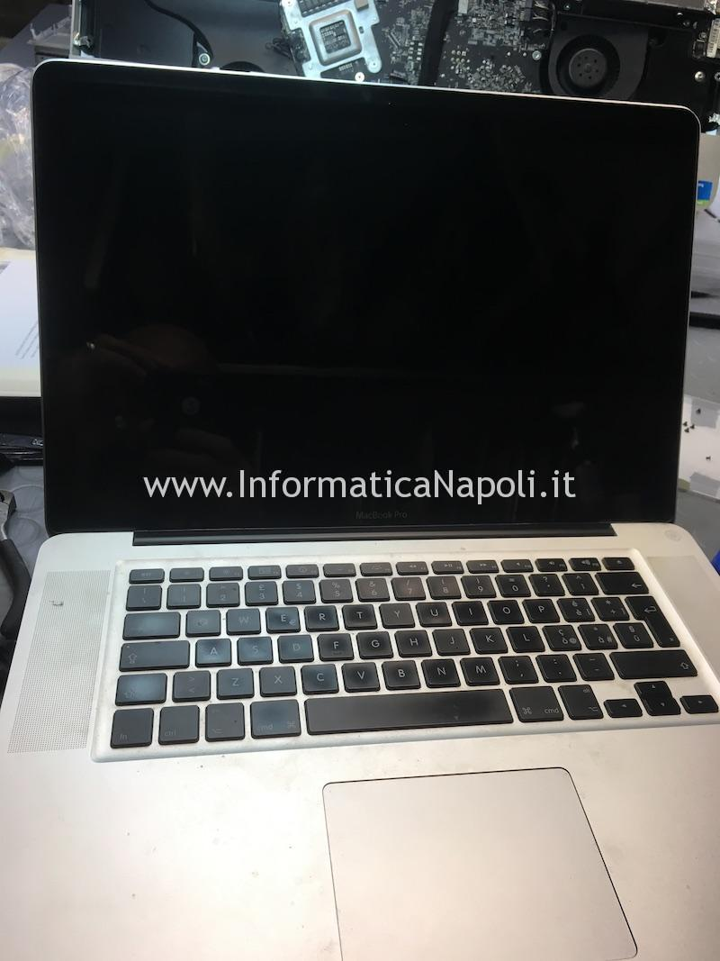 assistenza apple macbook pro 15 schermo nero