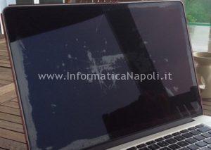 come rimuovere macchie schermo retina macbook pro
