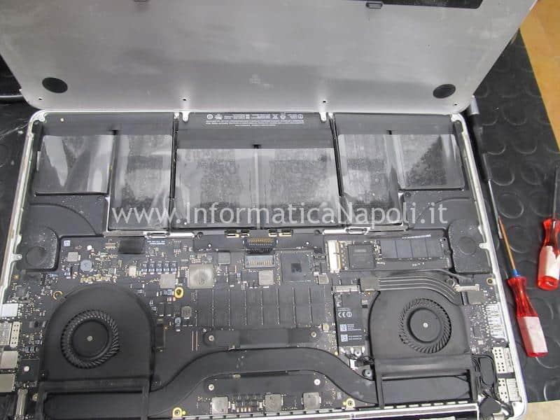 come riparare macbook pro 15 retina 820-3662-A 2013 2014 2014 che si spegne