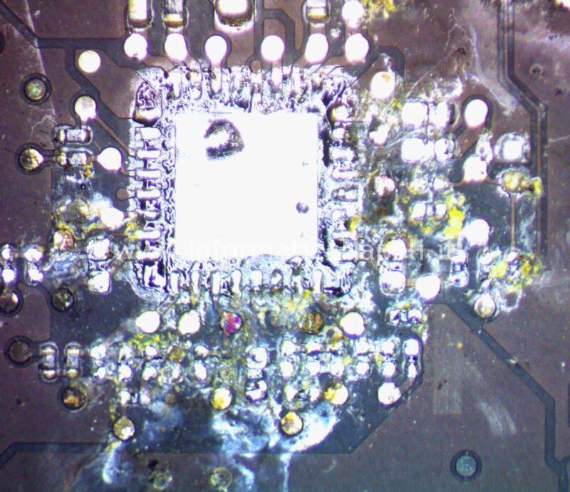 Danno da liquido macbook rimozione componenti ossidati