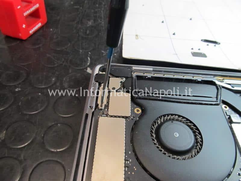 sostituire tastiera macbook pro 15 a1707