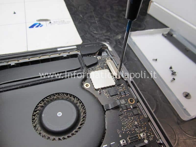 come sostituire tastiera macbook pro 15 a1707 centro assistenza