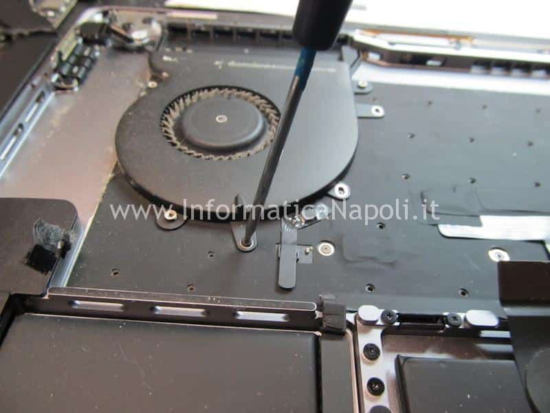 riparazione macbook pro 15 a1707 apple