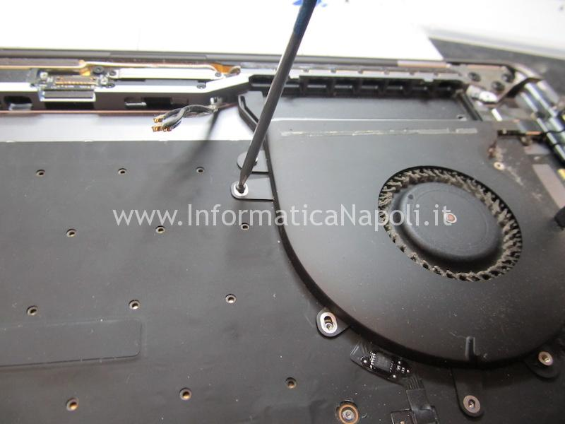 assistenza macbook pro 15 a1707 13 a1706 a1708 sostituzione tastiera