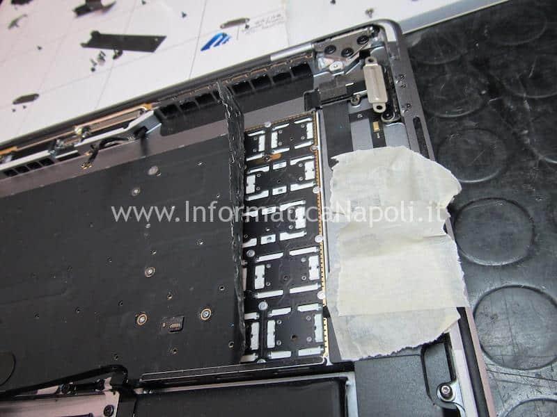 riparazione tastiera touch bar macbook pro 15 a1707 13 a1706 a1708
