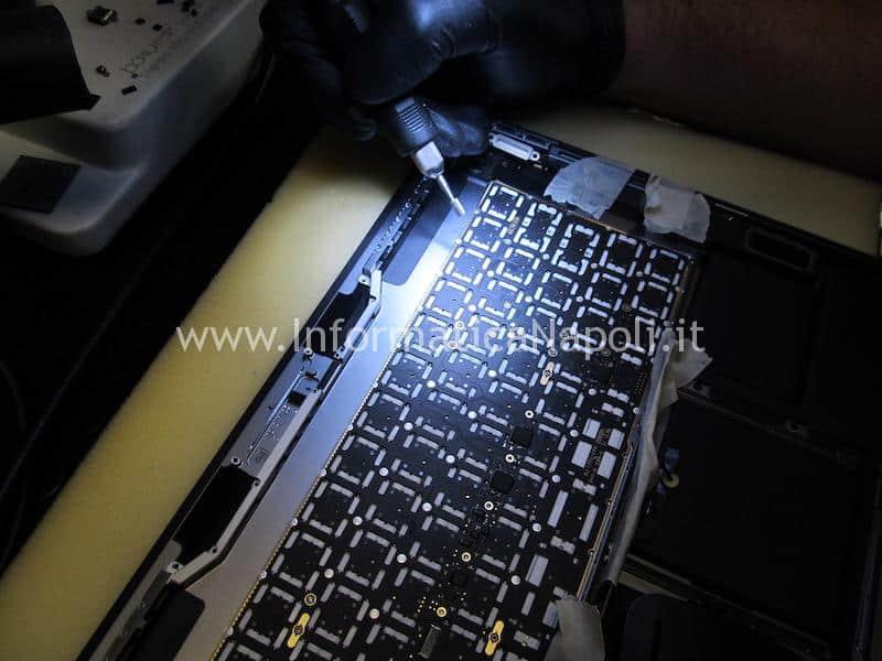 macbook pro 13 A1989 problema liquido tastiera