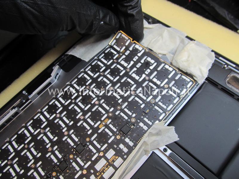 macbook pro 15 a1707 13 a1706 a1708 problema illuminazione tastiera