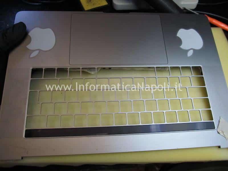 sostituzione tastiera MacBook Pro TouchBar A1707